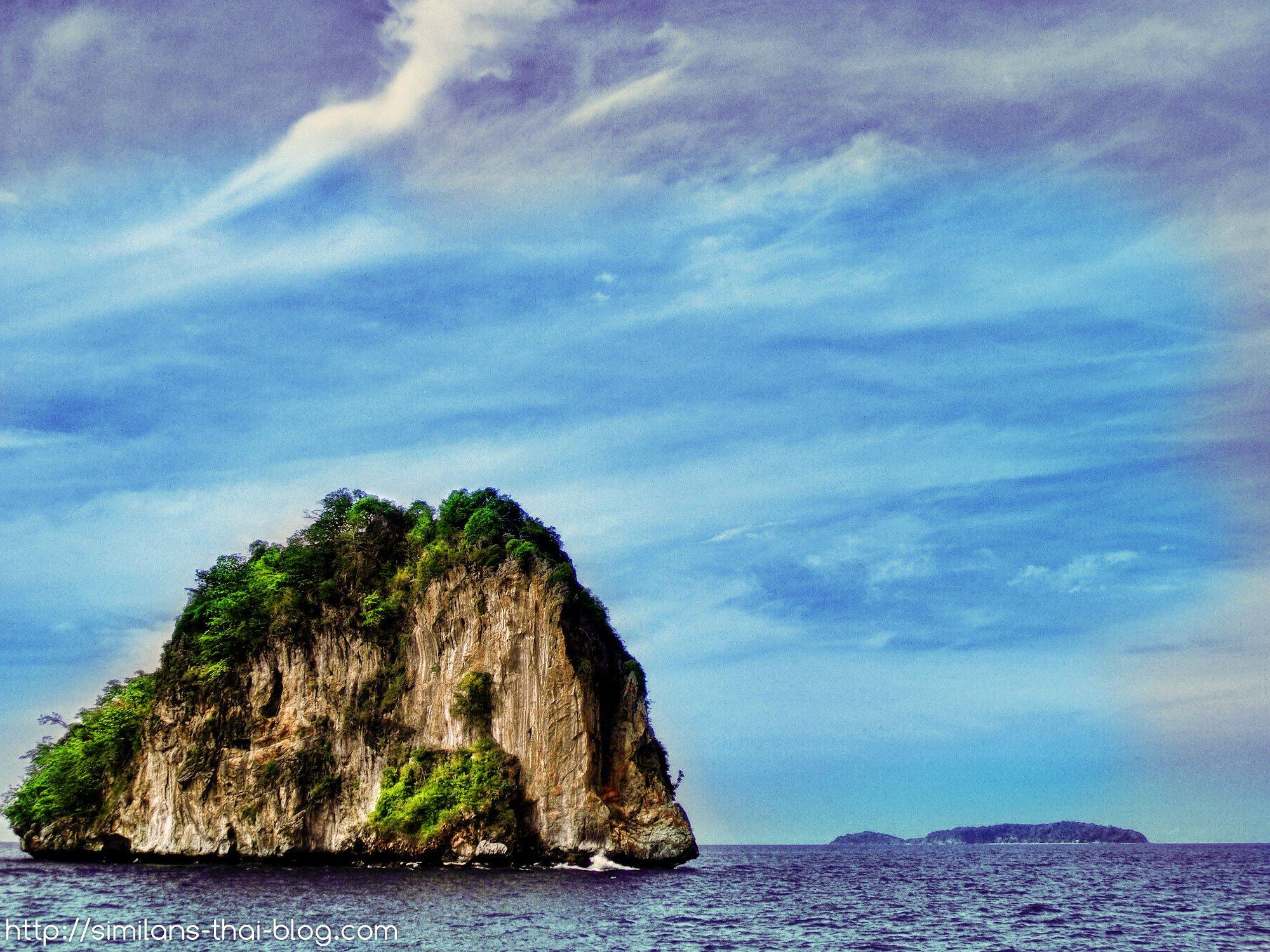 islands-of-phi-phi02