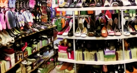 shoe-shopping-expo-plaza-panorama