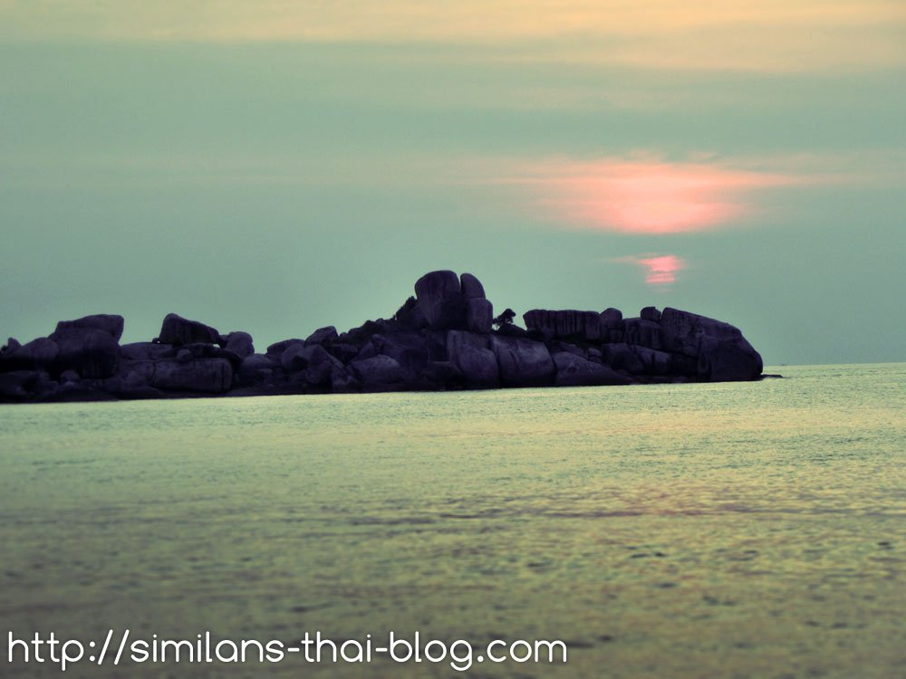sunset-on-similan-from-water