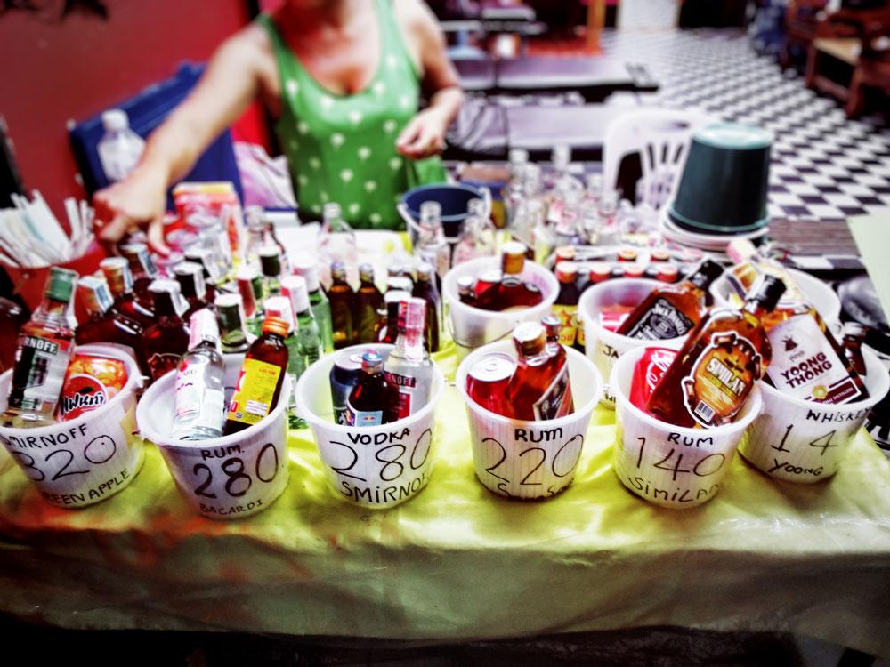 Alkohol Eimer Phi Phi