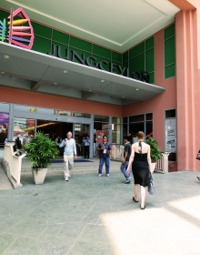 Jungceylon Shopping Center in Patong
